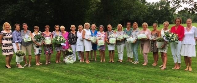 Mira Fleur Cup – Damen laden Damen